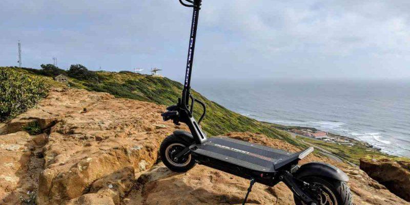 Scooter électrique dualtron thunder ou planche à roulettes électrique : Que devriez-vous acheter ?