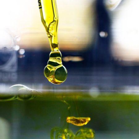 L'huile de CBD est-elle sûre à prendre pendant les fêtes ?